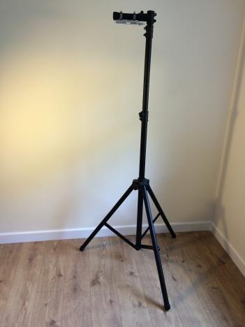 01 Speaker Tripod - Overview